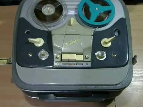 Нашел подборку фотографий магнитофонов, которые были очень популярны в 90-х годах. Какой у вас магнитофон был первым?. Портативный кассетный магнитофон