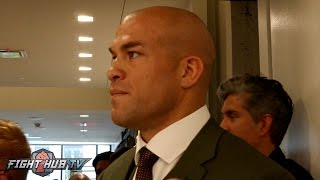 Tito Ortiz gives Chael Sonnen the death stare in hallway after Bellator press conference