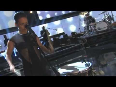 Alicia Keys e Maroon 5   Grammy2013