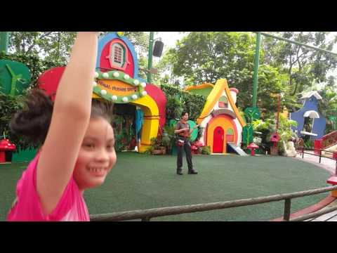 Animal Friends Show at Singapore Zoo