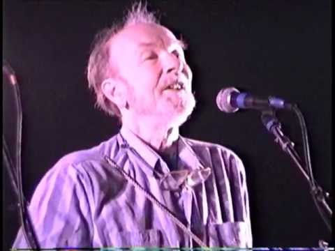"Pete Seeger LIVE: ""Hush Little Baby"""