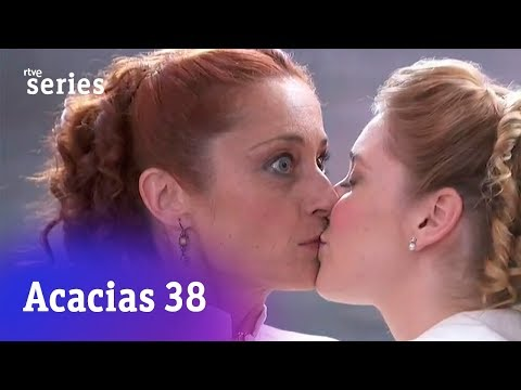 Acacias 38: Flora besa a Carmen #Acacias869 | RTVE Series