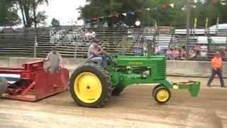 2014 Wolfs Corners Fair Antique Tractor Pull John Deere G 7500lb 3mph