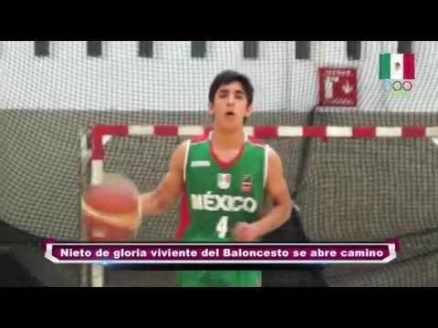 Nieto De Gloria Viviente Del Baloncesto Se Abre Camino