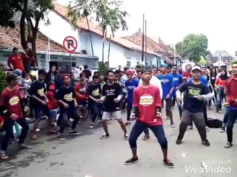 Temon Holic Jakarta & Temon Holic Pemalang - Suket Teki