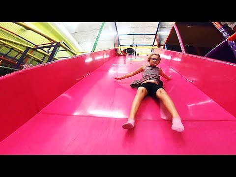 Family Fun at Kids Empire in Mesquite! Dropping Down Massive Slide for Coral's Birthday! Yay!