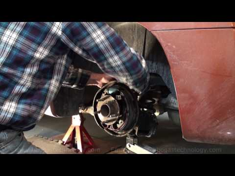 Pt2  HHO Gas Brake Drum Removal And Brake Cylinder Bleeder Screw Removal 3-16-2017