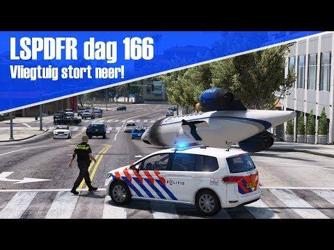 GTA 5 lspdfr dag 166 - Vliegtuig stort neer voor het politie bureau!