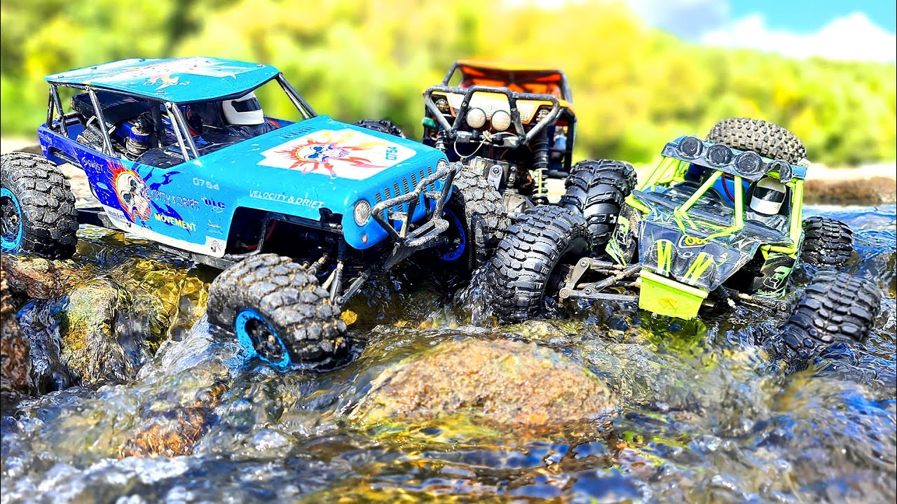 RC CARS Water SPA Racing – 2 WlToys 10428 VS Axial Wraith