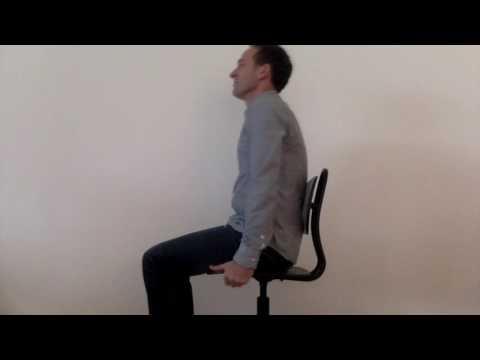 Buikspieren trainen op bureaustoel