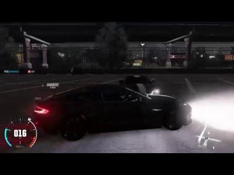 Aston Martin Vanquish vs Aston Martin V12 Zagato| The Crew.