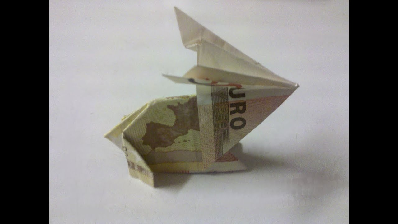 Kleines Pckchen Aus Einem Geldschein Gefaltet Geldgeschenke