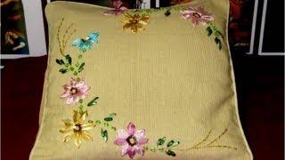 Bordados con cintas cojín con flores