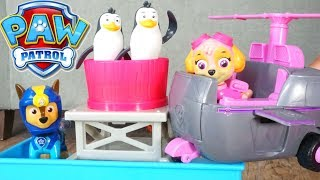 PAW PATROL ADVENTURE BAY PENGUINS STUCK ON TOY STORE SKYE CHASE RYDER PUP RESCUE SEA PATROL