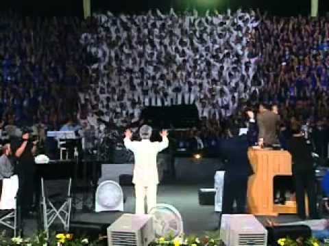 Benny Hinn na Cruzada de milagres em Manaus, Brasil (2005)