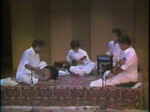 Mandolin U Shrinivas ji playing Niravadhi Sukhada in the Raga Ravichandrika