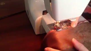 Как пришить косую бейку. 3 простых способа(Как пришить косую бейку http://www.youtube.com/watch?v=ZHCyRP9O7Ac В этом видео я показываю 3 способа пришива косой бейки. Пошив..., 2015-03-01T14:13:43.000Z)