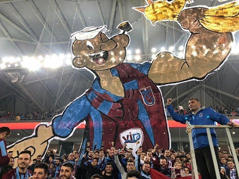 Trabzonspor taraftar grubu Vira'dan koreografi şov