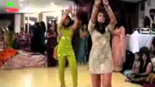Punjabi Girl Dance With Pashto Song.flv