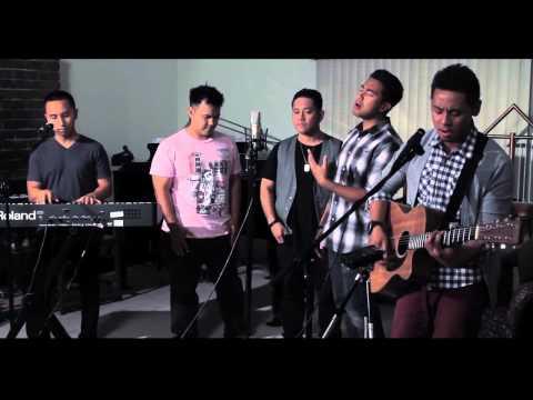 Hosanna by Hillsong United (Legaci feat. Summer Breeze)