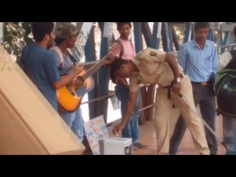 Humanity shown by Mumbaikars to help Chennai flood victims| This will change the way you think