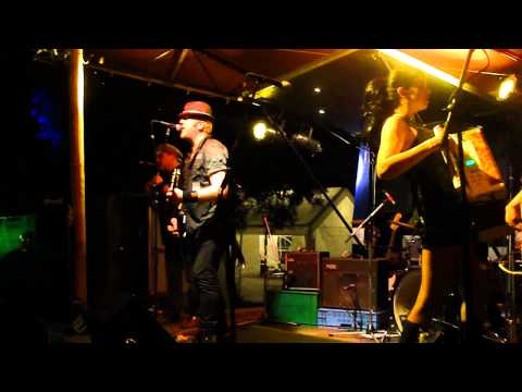 The Mahones_live@ Art Carnivale 31-07-2011 DOWN THE BOOZER