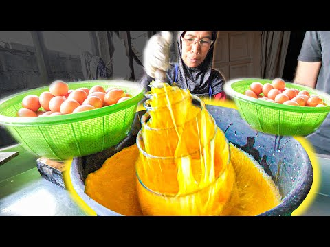$0.19 INSANE Street Food - 100 EGG Pancake MASTER - The ULTIMATE Kelantanese Street Food Tour!!!!