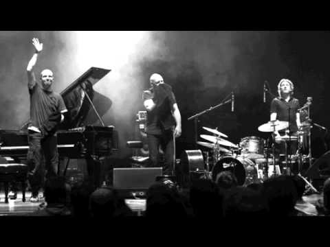 Esbjörn Svensson Trio - Eight-hundred Streets by Feet / Mingle in the Mincing Machine