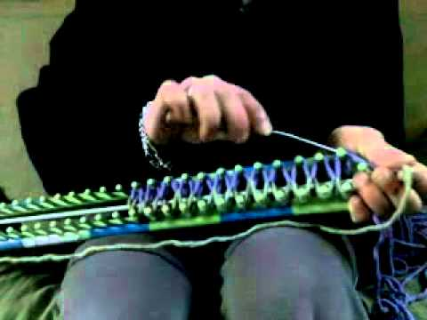 Instructions de bases pour tricotin long youtube - Comment terminer un tricotin ...
