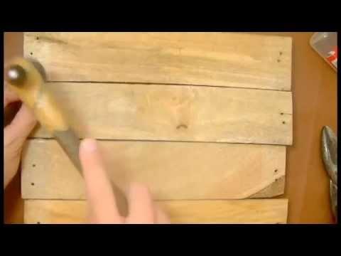 Como hacer un porta llaves reutilizando la madera youtube - Como cerrar un terreno con madera ...