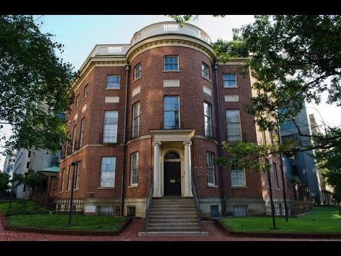 Real haunted houses : The Octagon House, Washington D.C.