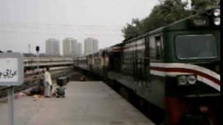Pakistan Railways Mehran Express arrives at Karachi Cantt.