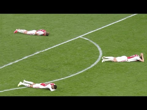 Most Emotional & Beautiful Moments in Football
