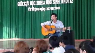 Lặng lẽ nơi này - Trịnh Công Sơn -  Guitar : Th. An Sơn