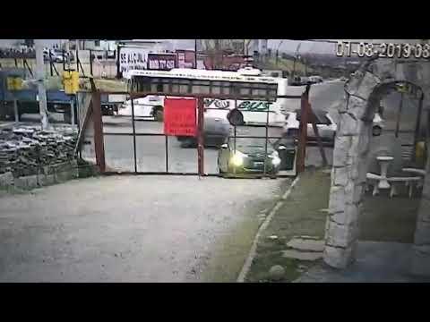 Un hombre se baja a abrir un portón y le roban el auto en segundos a sus espaldas, (Video) Un hombre se baja a abrir un portón y le roban el auto en segundos a sus espaldas, Dominican Republic TV, Dominican Republic TV