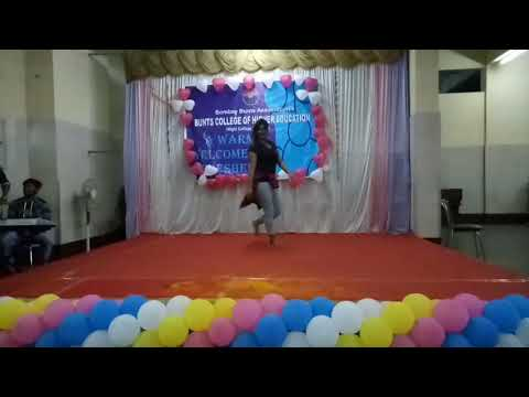 Dj wale babu jara gana bajade Dance performance