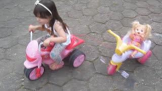 Baby Alive Minha Boneca Bia e Laura na Motoca Elétrica - baby alive doll - clubinho da laura