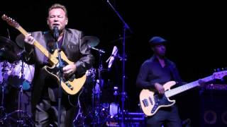 Ali Campbell-Nothing Ever Changes (Live At The Indigo02 London 7/12/2012)