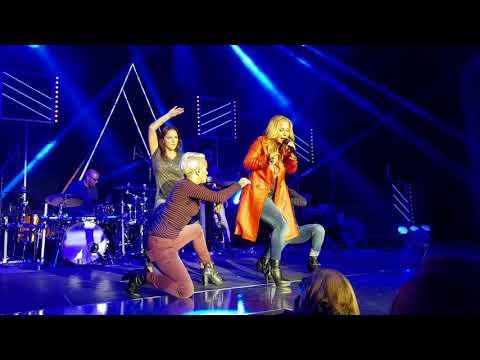 Anastacia - Boxer (Aldi-Süd Fashion Show, 07.09.2017)