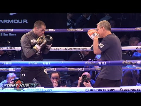 Scott Quigg showing improved skills, speed & combos on mitts with Freddie Roach