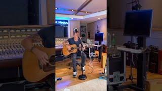 Download Lagu Keith Urban LIVE - The Gambler URBAN UNDERGROUND MP3