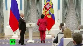Жена Усманова поиздевалась над Путиным
