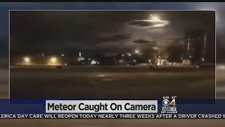 Meteor Caught On Portland Police Dash Cam Video(A Portland Police sergeant's dashboard camera caught a meteor falling from the sky early Tuesday morning., 2016-05-17T12:47:31.000Z)