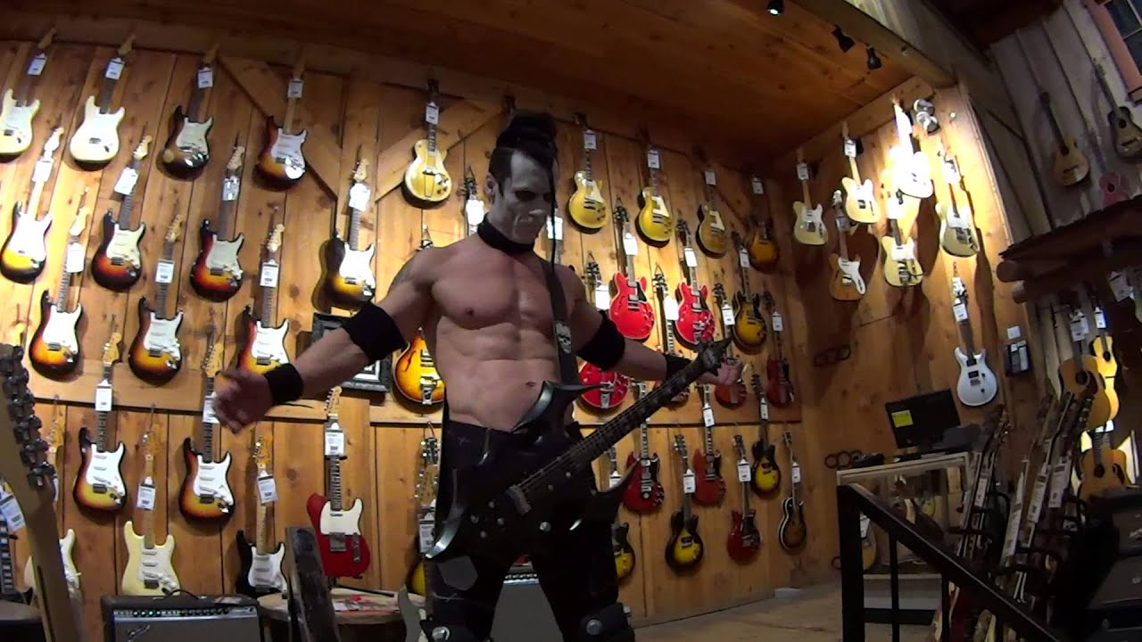 doyle abominator shoot at guitar center behind the scenes youtube. Black Bedroom Furniture Sets. Home Design Ideas