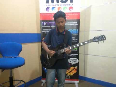 Sweet child of mine cover by Satria Bimasena MSI Guitar Student