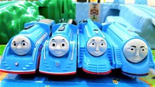 Thomas & Friends Railway Race Trackmaster 流線形トーマス&シューティングスター・ゴードン レールレース トラックマスター プラレール 走れ!世界のなかまたち thumbnail