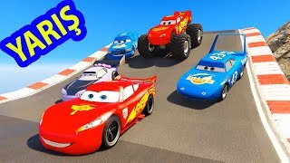 Şimşek McQueen ve Örümcek Adam Boost Dinoco King Chick Hicks Tehlikeli Yarış Yapıyorlar