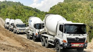 Video Ready Mix Concrete Mixer Truck Working On The Steep Site download MP3, 3GP, MP4, WEBM, AVI, FLV Oktober 2019