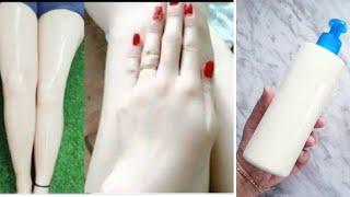 Jabón cremoso para blanquear la piel y aclarar las zonas oscuras del cuerpo.