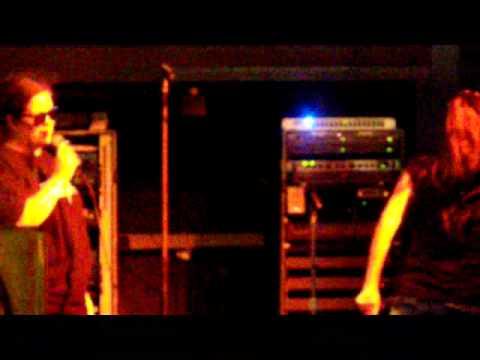 Singing Livin on a prayer karaoke on Clifton Hill Niagara falls ,Canada with a great jovi sister